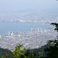 写真: 坂本ケーブル山頂駅から見る琵琶湖