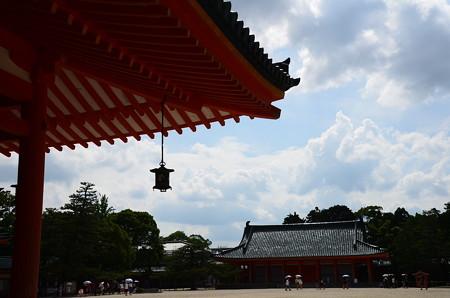 夏空の平安神宮
