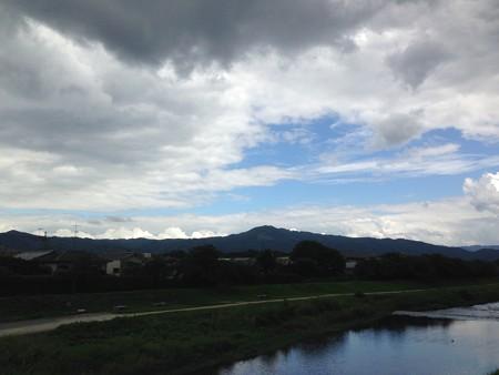 大文字上空の黒雲
