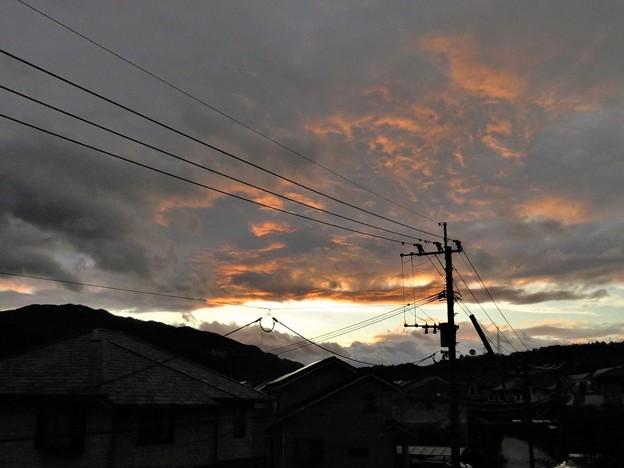 西の空に夕焼け雲_6895