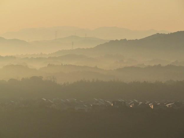 朝の山並み_8648