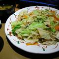 Photos: たっぷり野菜の肉野菜炒め定食