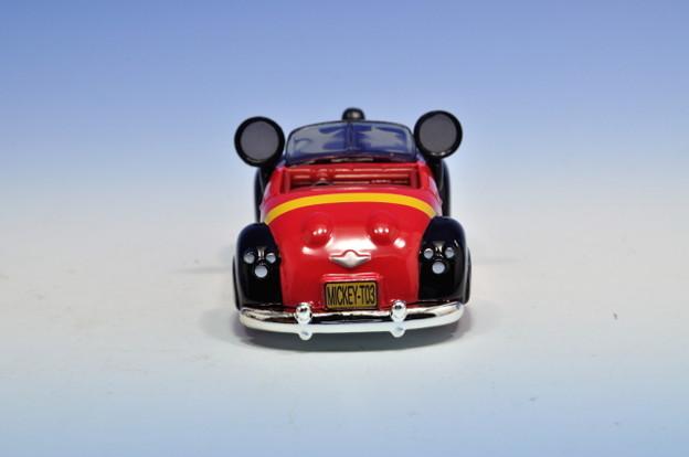 タカラトミー_トミカ-TOKYO DISNEY RESORT Vehicle Collection ミッキーのロードスター(ファンタジア)_005