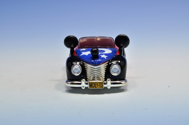タカラトミー_トミカ-TOKYO DISNEY RESORT Vehicle Collection ミッキーのロードスター(ファンタジア)_004