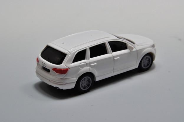 写真: ダイドー-KYOSHO_SUV DREAM COLLECTION BIG PULLBACK MODELA Audi Q7_002