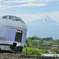 富士山とE351系特急スーパーあずさ号