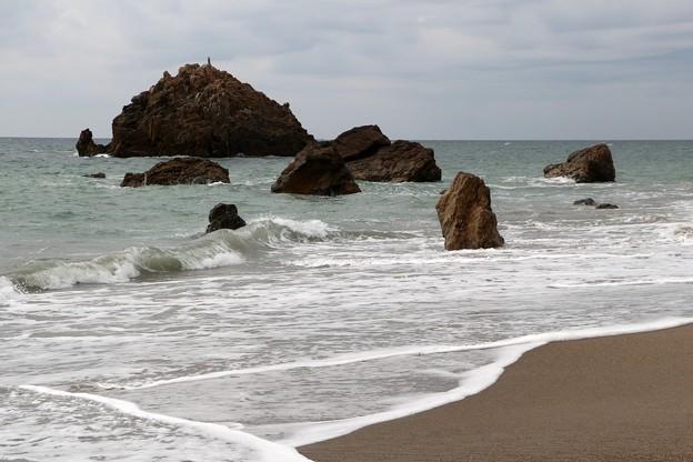 打ち寄せる波