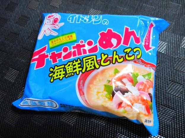 イトメン チャンポンめん 海鮮とんこつ 01