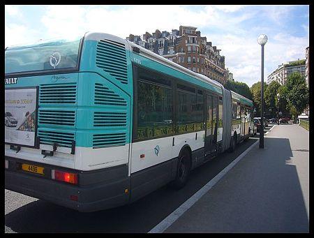 P2560484