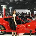 Photos: Ferrariとお姉さん