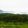 写真: 雲の上のワインディングロード@2013北海道旅行最終日
