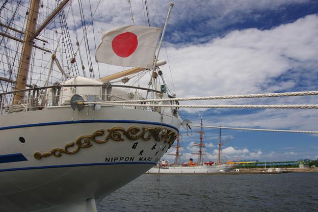 終戦の日 日本丸と海王丸