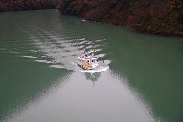 庄川峡湖上遊覧船