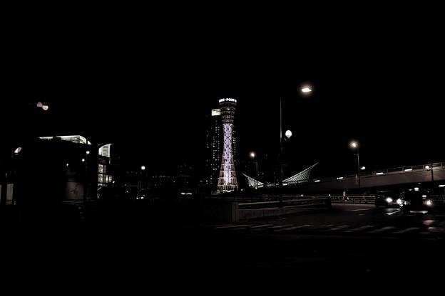 写真: 神戸の夜