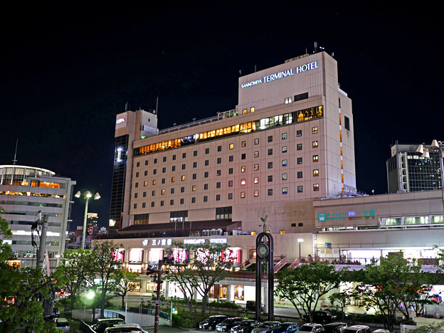 写真: 三ノ宮 駅ビル 4