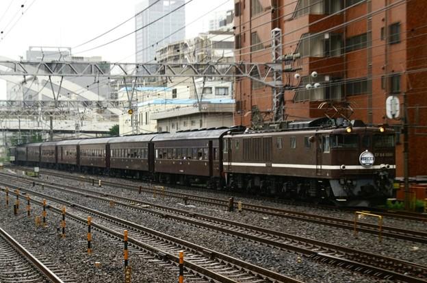 東海道線を走るEF64 1001+旧客7B+EF65 501