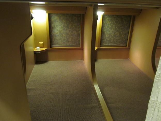 サンライズエクスプレス ノビノビ座席 下段