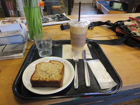 バナナブレットでカフェ