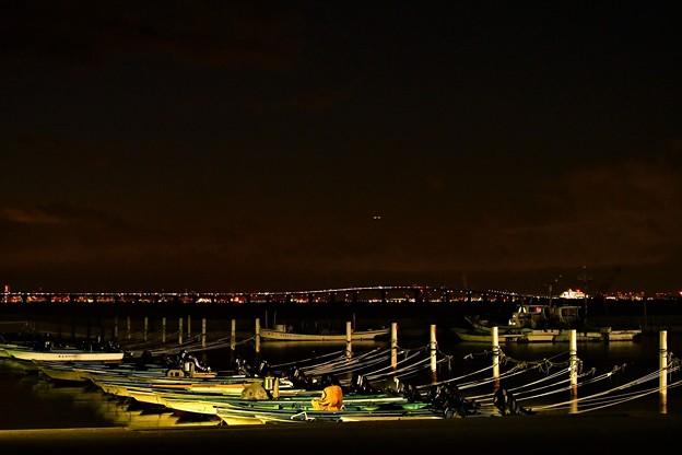 宵闇の漁港