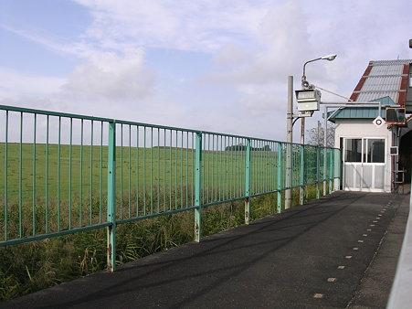 東追分駅ホーム1