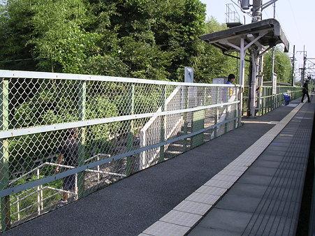 新府駅ホーム