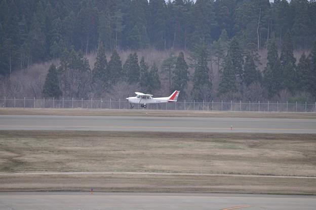秋田空港 自家用小型機 17-04-16 14-38