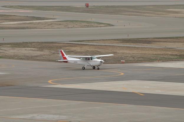 秋田空港 自家用小型機 17-04-16 15-03