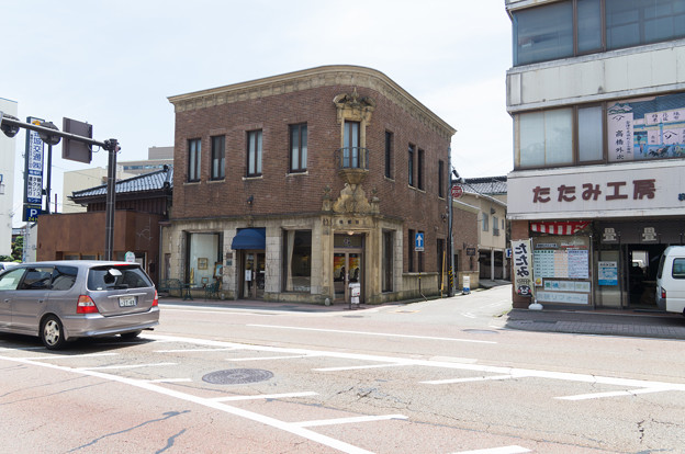モダン建物(庫出し)