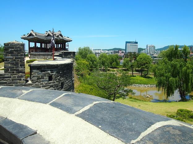 """水原訪華随柳亭「東北角楼」 -水原華城-/Suwon Banghwasuryujeong""""Northeastern Pavilion"""" -Hwaseong Fortress-"""