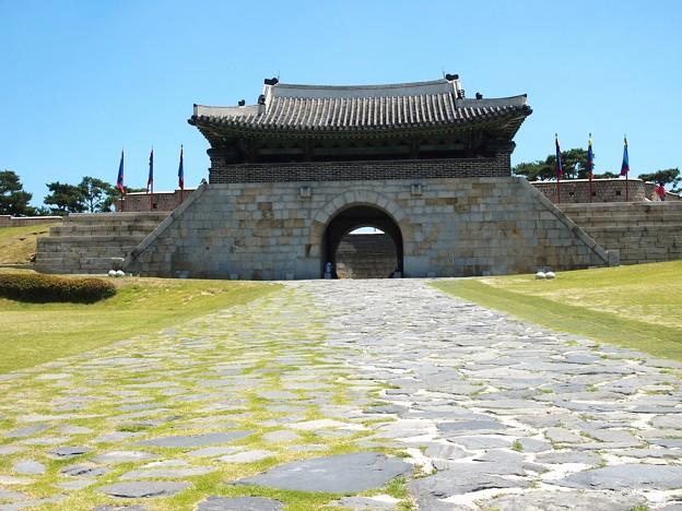 蒼龍門 -水原華城-/Changnyongmun Gate -Hwaseong Fortress-