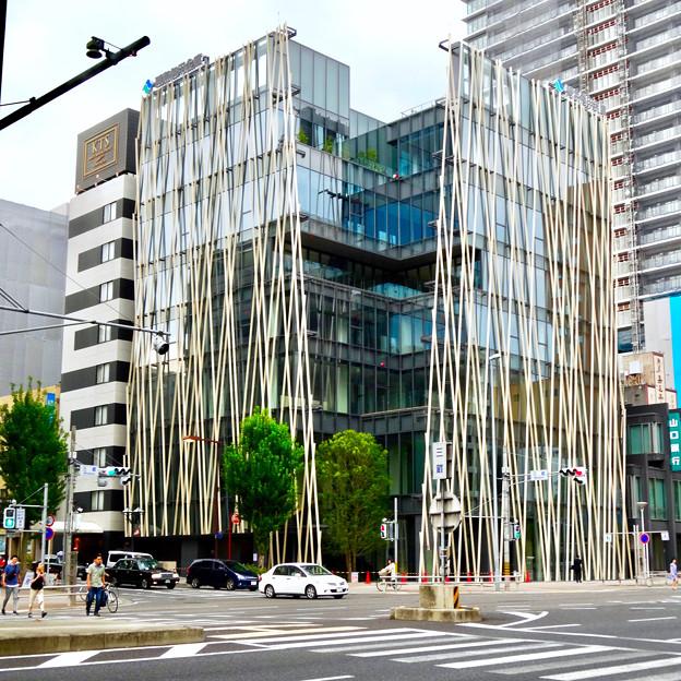 隈研吾さん設計の碧海信用金庫 御園支店 - 2