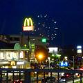 国道19号に架かる歩道橋の上から見た「春日井市民納涼まつり 2017」の花火 - 6
