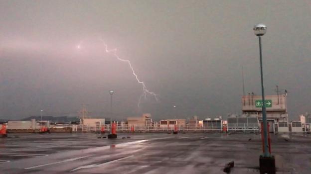 イオン小牧店屋上駐車場から撮影したスーパーセルの雷(2017年8月22日) - 51