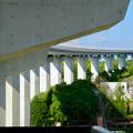 公園西駅前から見たリニモの橋脚 - 2