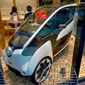 写真: 全面開業後最初の週末のグローバルゲート - 150:公道で市場走行できるトヨタの小型電気自動車「i-ROAD」