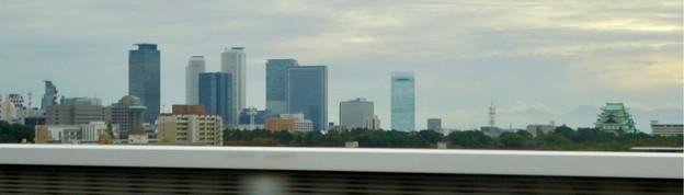 名古屋高速から見た名古屋城と名駅ビル群 - 2