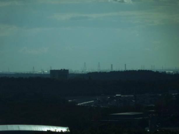 リニモ車内から見えた名港トリトン - 1