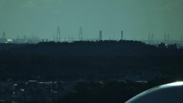 リニモ車内から見えた名港トリトン - 3