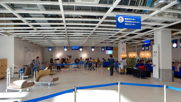 オープン1ヶ月後でも大勢の人で賑わう「IKEA長久手」 - 26:配送&荷物受取り&返品カウンター