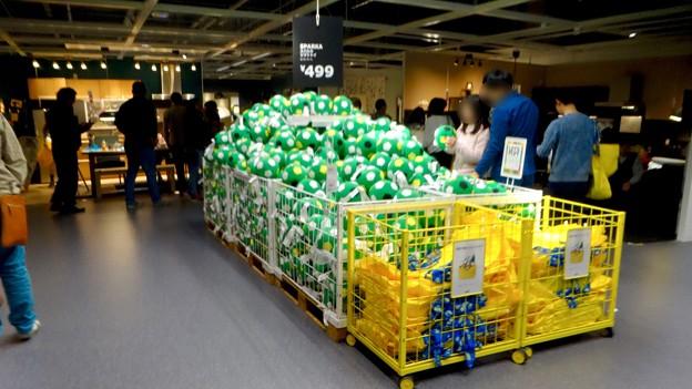 オープン1ヶ月後でも大勢の人で賑わう「IKEA長久手」 - 50