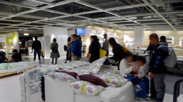 写真: オープン1ヶ月後でも大勢の人で賑わう「IKEA長久手」 - 61