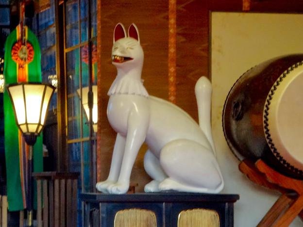 三光稲荷神社のキツネ像 - 3