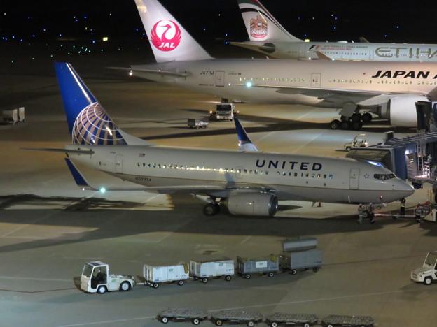 UAL B737-700