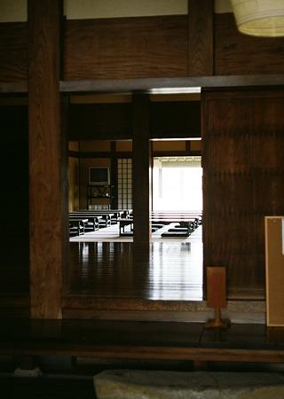 Mizube-kouen_OLYMPUS_PEN_FT_Kodak_PORTRA160NC_05092011-03