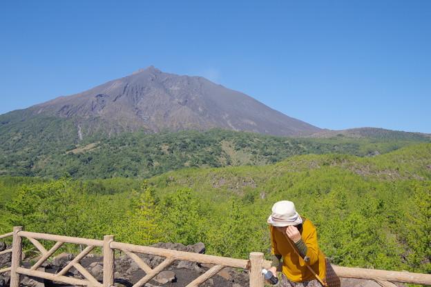 有村溶岩展望台でママを撮る