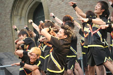 早稲田 大学 ショッカー ズ 早稲田発のチア男子集団「SHOCKERS」が全力で人を笑顔にする理由