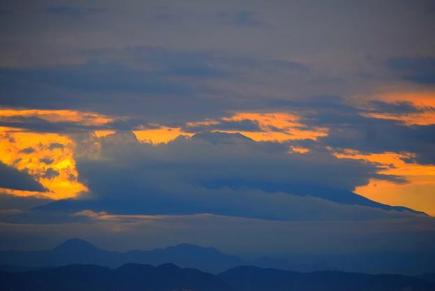 雲に覆われる湘南・鵠沼海岸からの富士山 #湘南 #藤沢 #海 #波 #wave #surfing #mysky #fujisan #mtfuji #富士山