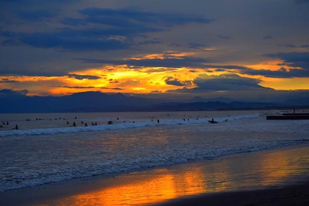 雲に覆わる夕方の湘南・鵠沼海岸 #湘南 #藤沢 #海 #波 #wave #surfing #mysky #fujisan #mtfuji #富士山