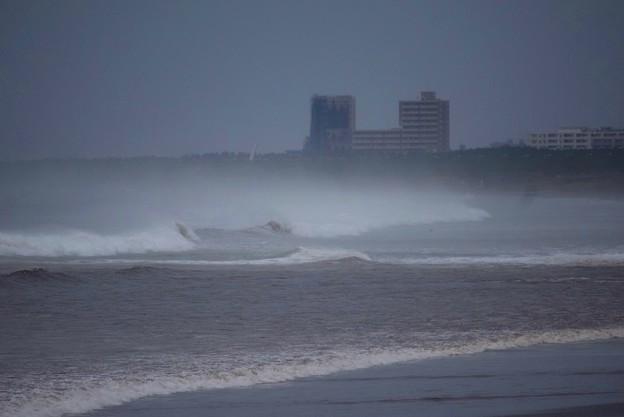 台風接近前の湘南・鵠沼海岸 #湘南 #藤沢 #海 #波 #wave #surfing #台風 #hurricane