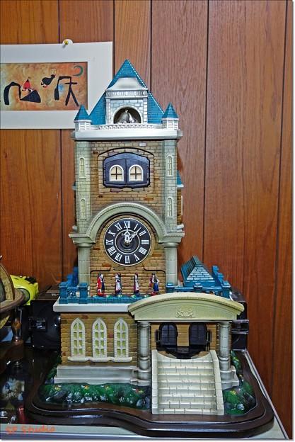 写真: リズム時計の大型からくり時計